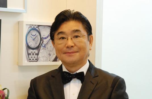 創業者の橋本憲治。「日本人の繊細な感性に合った高品質な時計を適正価格で提供する」という彼のコンセプトは全社員に行き渡っています。